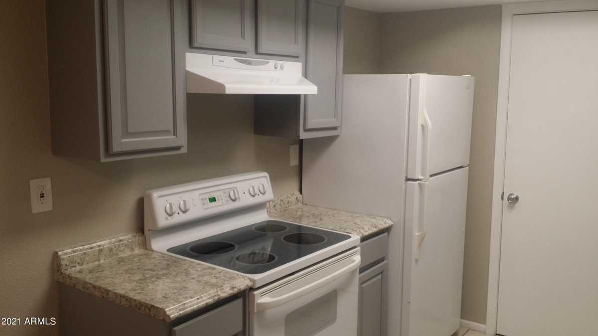 $169,900 - 2Br/2Ba -  for Sale in Hallcraft Villas East 5, Phoenix