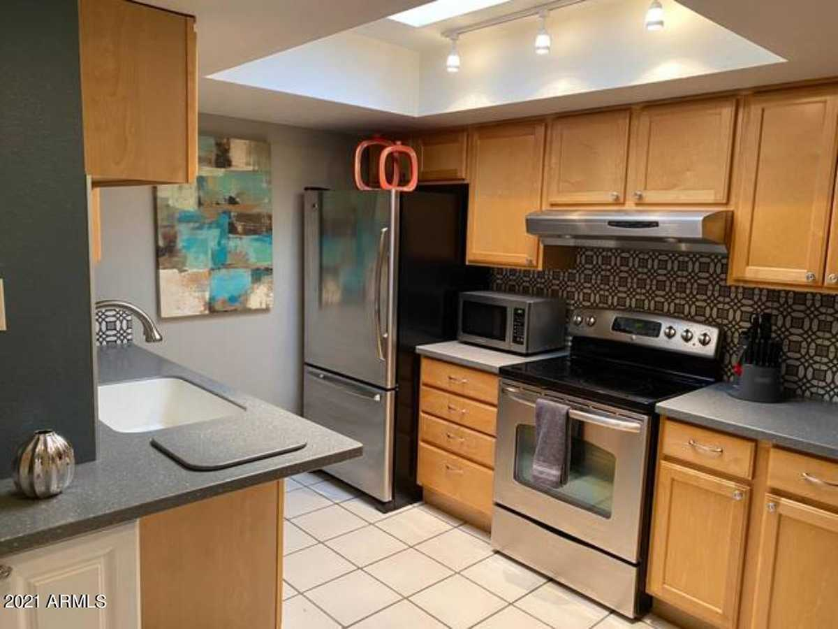 $274,900 - 2Br/2Ba -  for Sale in University Shadows, Tempe