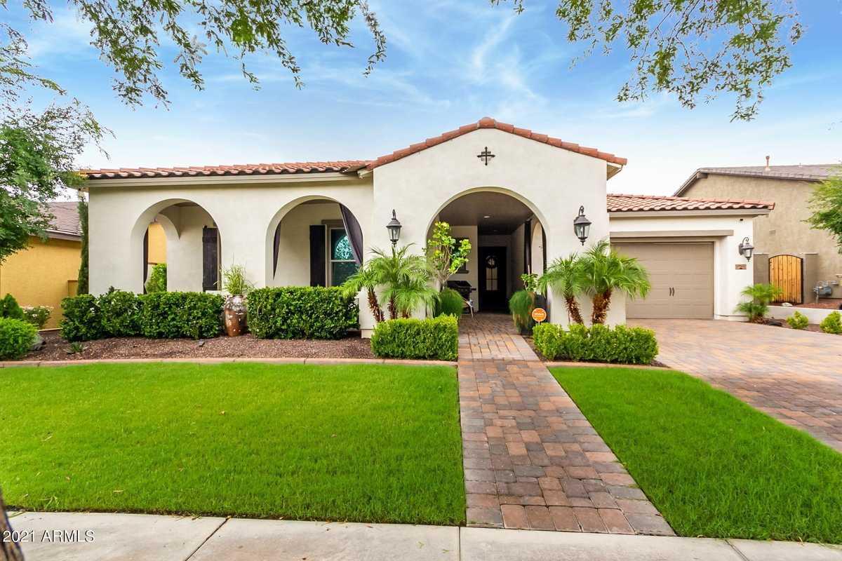 $715,000 - 4Br/3Ba - Home for Sale in Verrado Phase 3 South Phase C, Buckeye