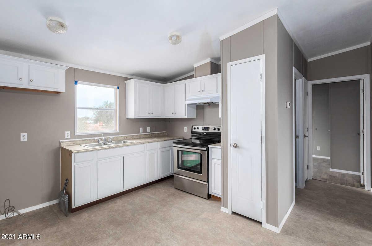 $199,900 - 3Br/2Ba -  for Sale in Hidden Valley, Maricopa