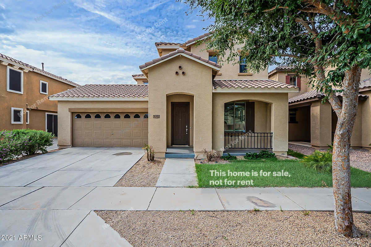 $570,000 - 4Br/4Ba - Home for Sale in Lyons Gate Phase 8 Replat, Gilbert