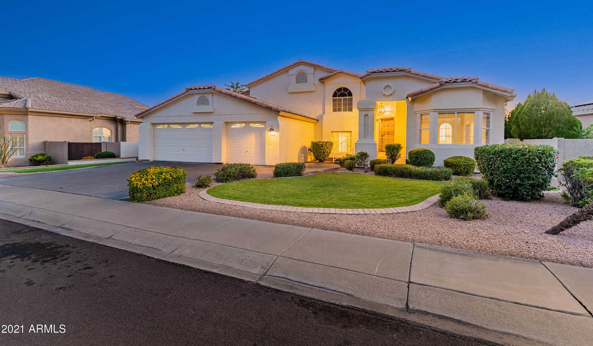 $750,000 - 3Br/3Ba - Home for Sale in Estates At Arrowhead Phase One B, Glendale