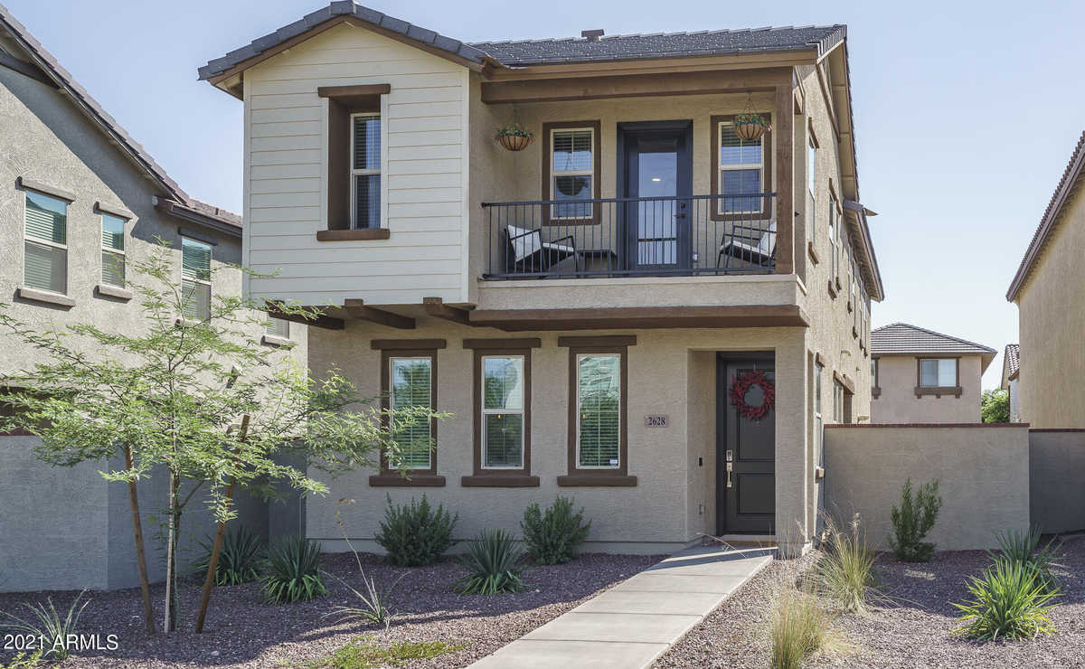 $424,850 - 3Br/3Ba - Home for Sale in Verrado Parcel 3.304, Buckeye
