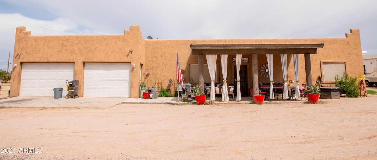 $695,000 - 3Br/3Ba - Home for Sale in Custom Home, Queen Creek