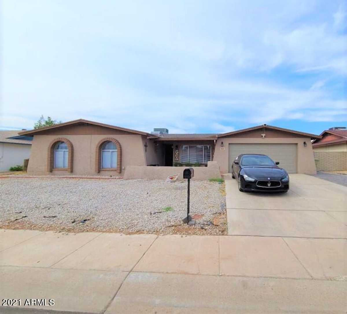 $429,900 - 4Br/2Ba - Home for Sale in Willowbrook, Glendale