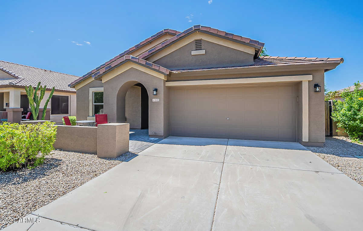 $454,900 - 4Br/2Ba - Home for Sale in Villages At Queen Creek Parcel 6b/19, Queen Creek