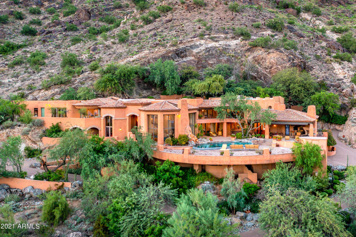 Paradise Valley Luxury Homes