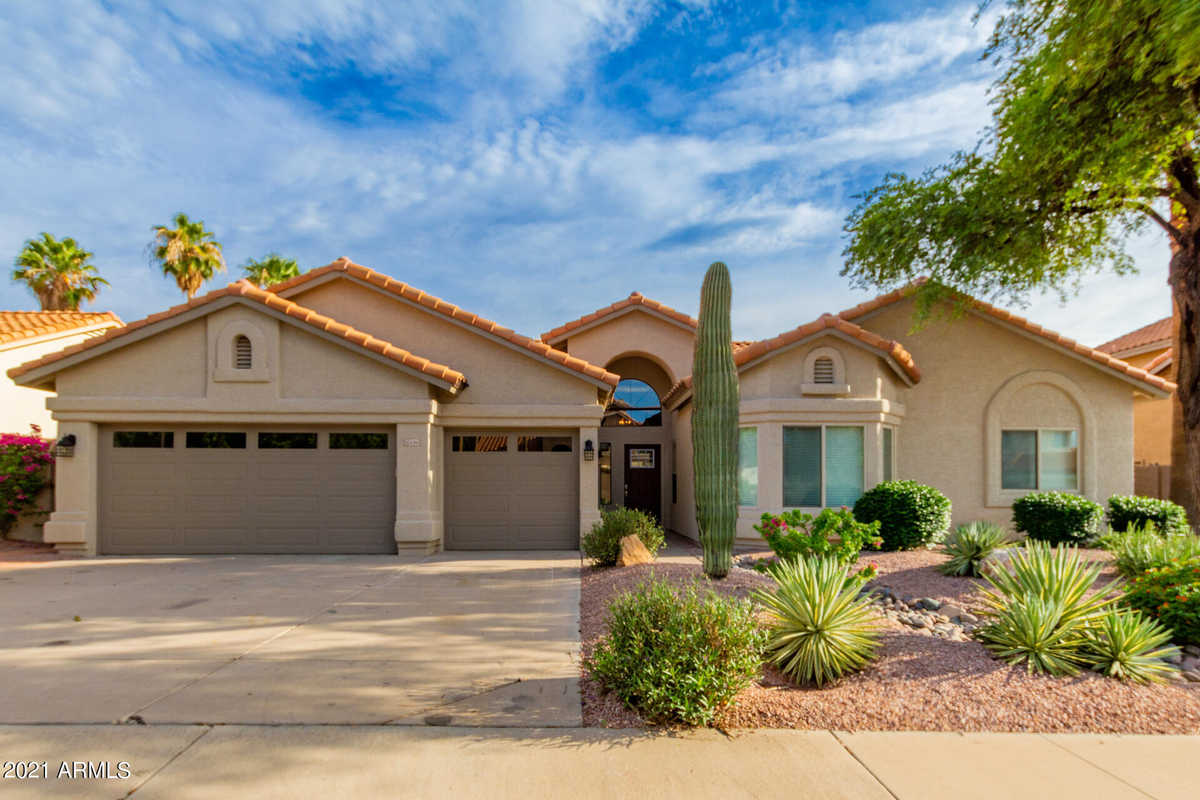 $625,000 - 3Br/3Ba - Home for Sale in Red Mountain Estates Lot 1-8 9-149 Tr A-c, Mesa