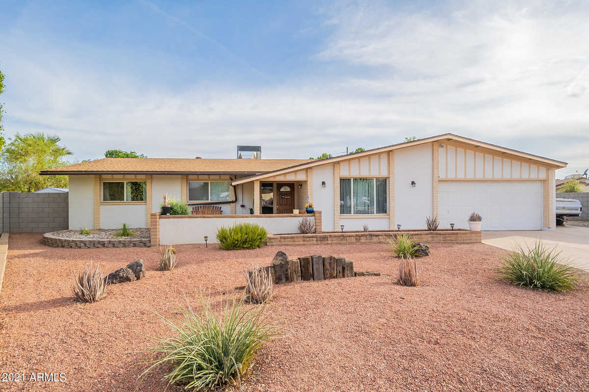 $429,900 - 3Br/2Ba - Home for Sale in Continental North Unit 8, Glendale