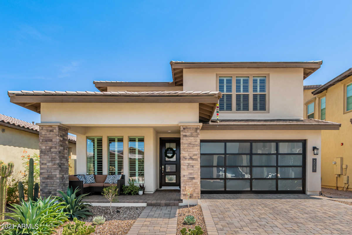 $725,000 - 4Br/4Ba - Home for Sale in Ray & Recker Phase 1, Gilbert