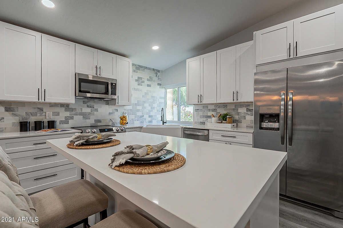 $800,000 - 3Br/2Ba - Home for Sale in Hayden Estates, Scottsdale