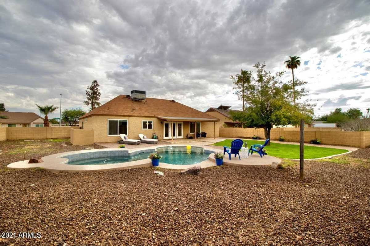 $569,000 - 4Br/3Ba - Home for Sale in Knoell Tempe Unit 9, Tempe