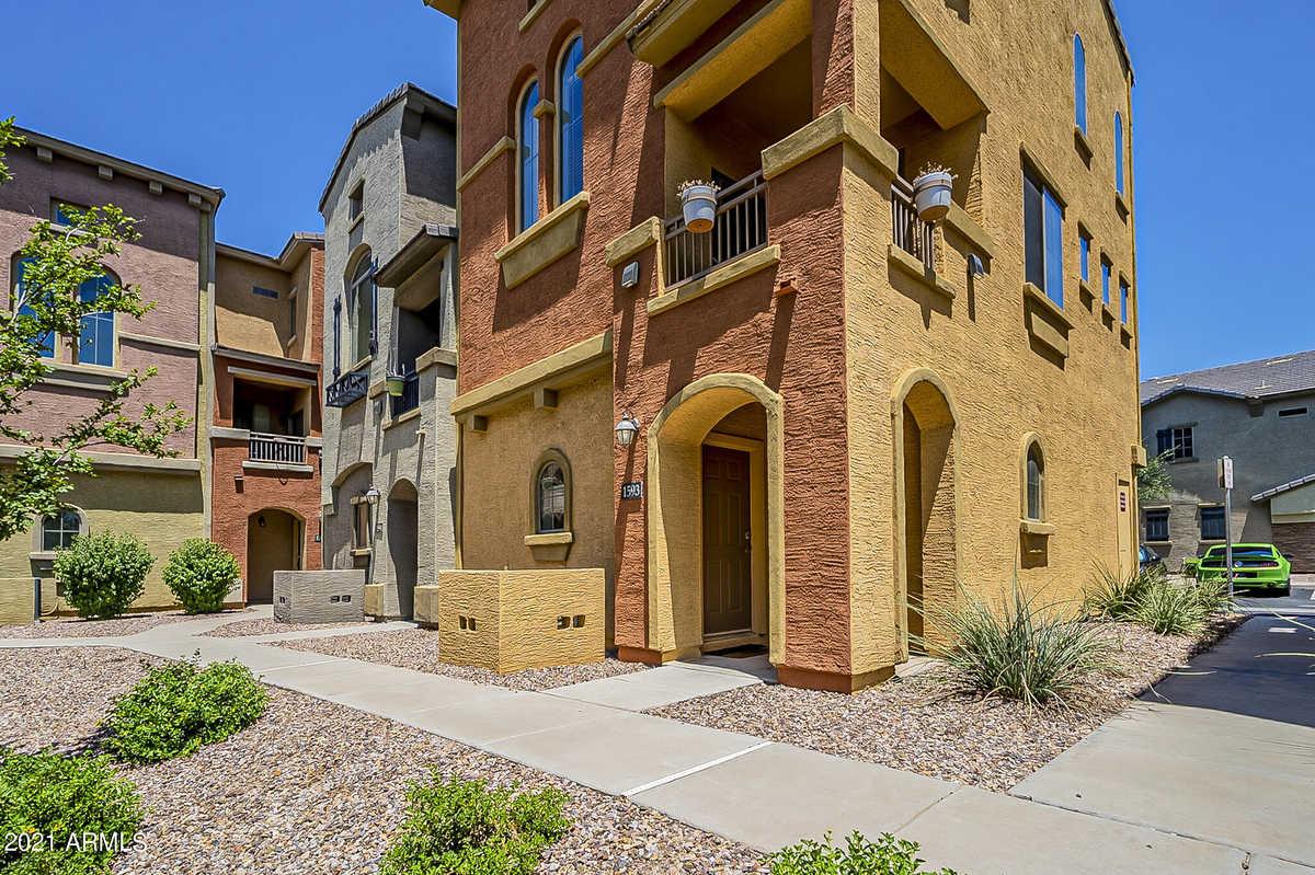 $365,000 - 2Br/3Ba -  for Sale in Villagio At Tempe Condominium Amd, Tempe