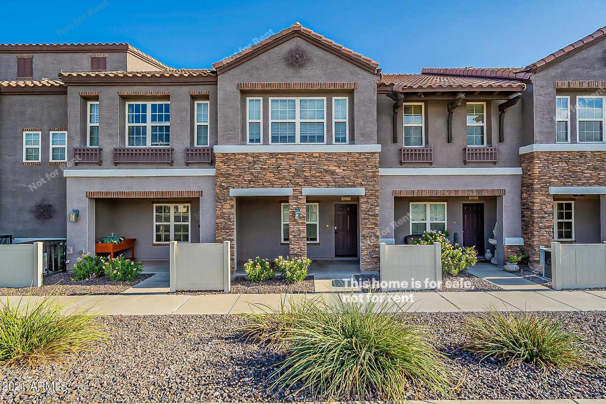 $303,000 - 1Br/3Ba -  for Sale in Copper Leaf Development Unit 4 Condominium, Phoenix