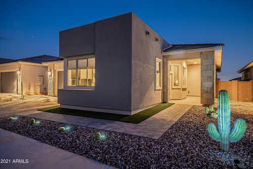 $925,000 - 2Br/3Ba - Home for Sale in Sky Crossing Parcel 6, Phoenix