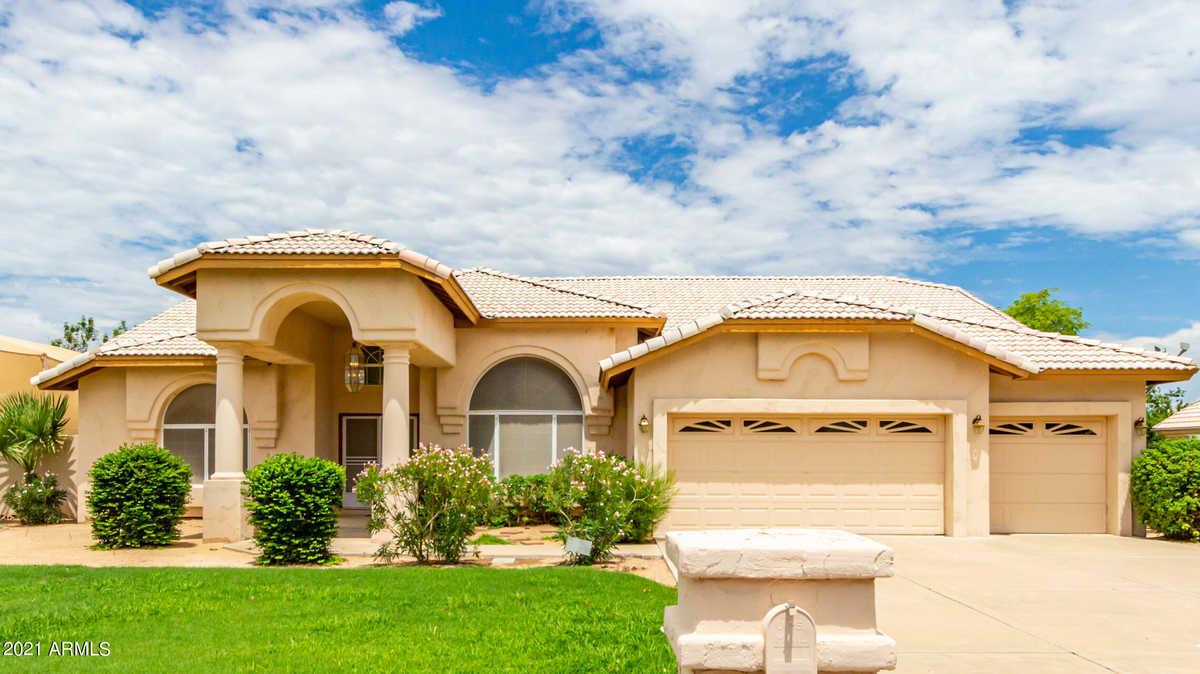 $799,999 - 3Br/3Ba - Home for Sale in Saddle Ranch Estates Unit 2, Glendale