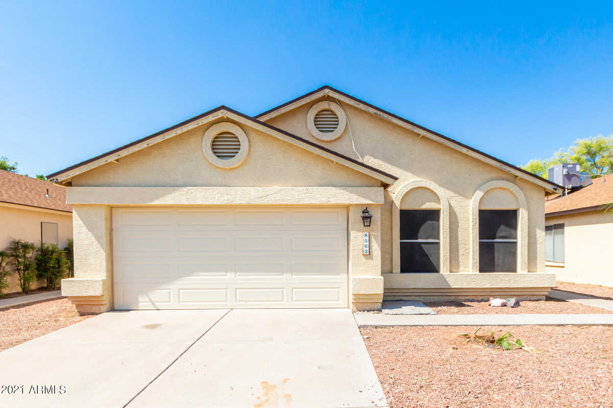 $360,000 - 3Br/2Ba - Home for Sale in Country Meadows Units 5,6 & 7 Lot 1-426 Tr A-i, Peoria