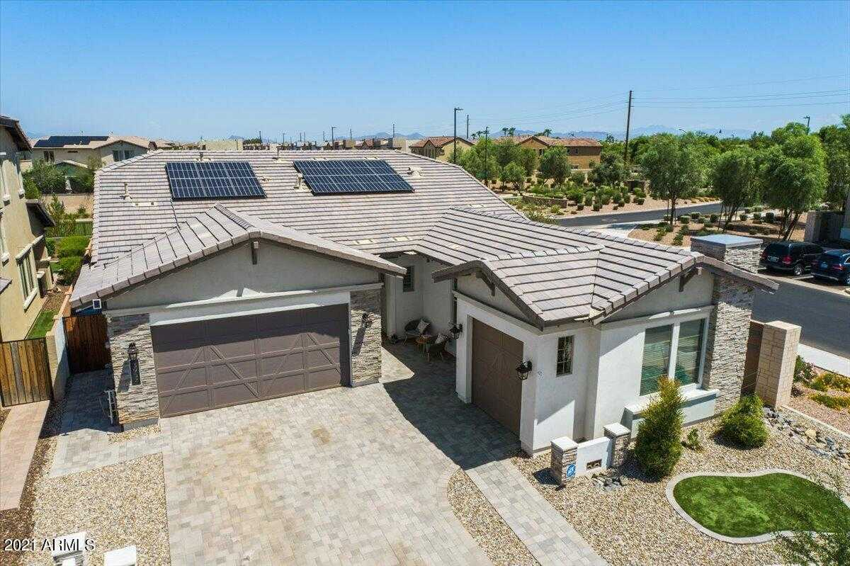 $725,000 - 4Br/3Ba - Home for Sale in Ray & Recker Phase 1, Gilbert