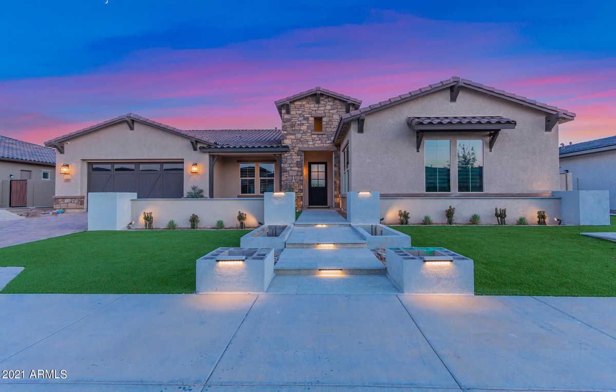 Gilbert Luxury Homes