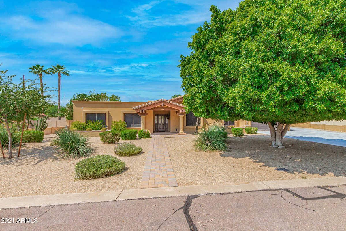 $714,900 - 4Br/3Ba - Home for Sale in Duskfire, Tempe