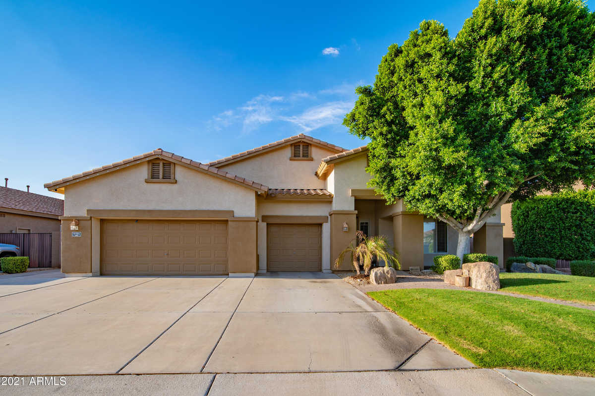 $699,900 - 4Br/3Ba - Home for Sale in Pleasant Valley Unit 2, Peoria