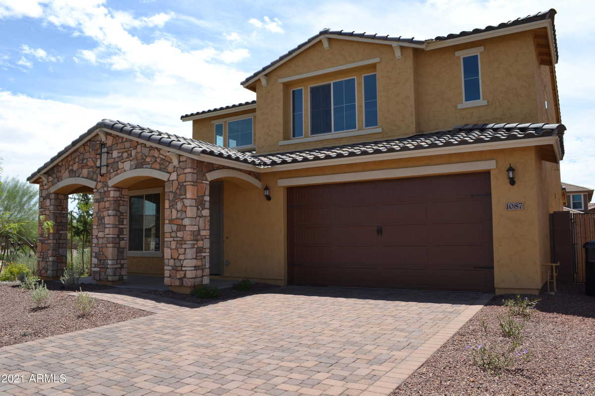 $650,000 - 5Br/4Ba - Home for Sale in Copperleaf, Gilbert