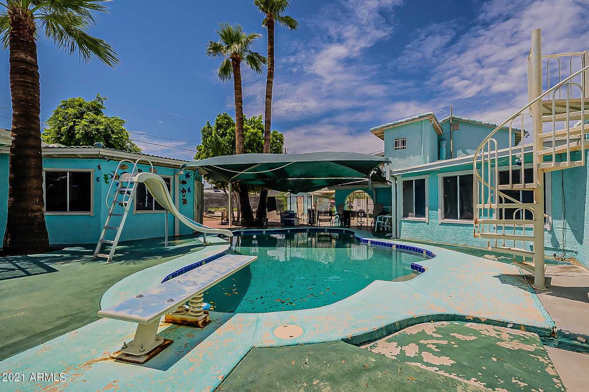 $400,000 - 5Br/5Ba - Home for Sale in La Mirada Dos, Phoenix