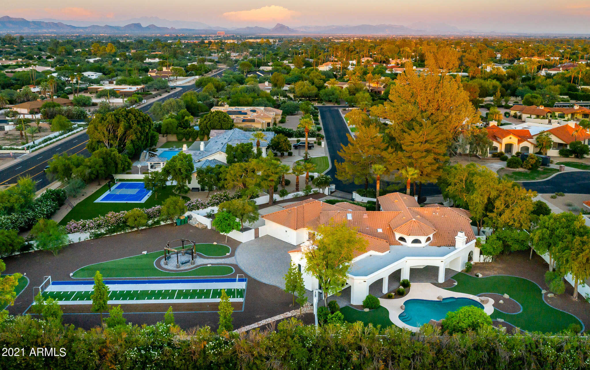 $3,275,000 - 5Br/4Ba - Home for Sale in Mountain Shadows Acres, Paradise Valley