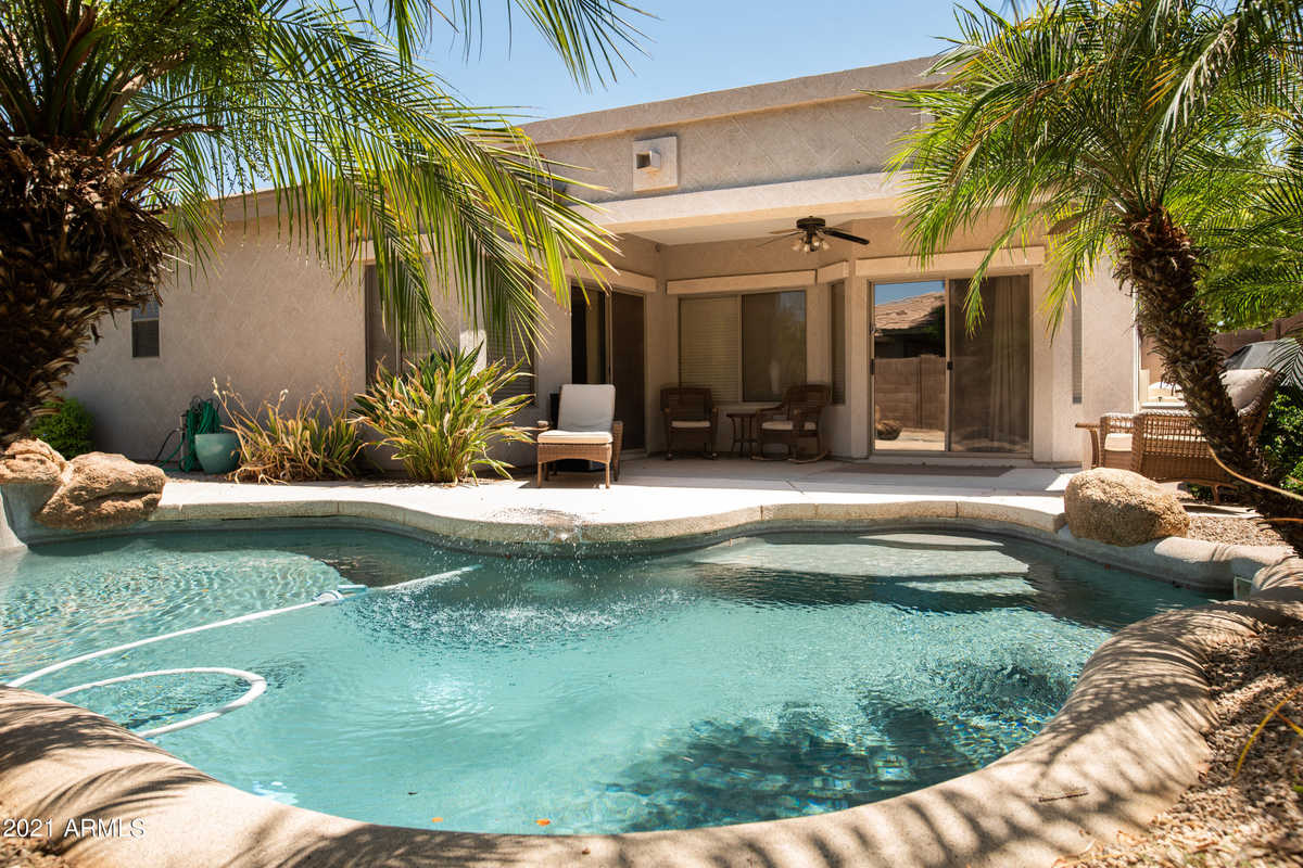 $420,000 - 3Br/2Ba - Home for Sale in Queenland Manor Phase 2, Queen Creek