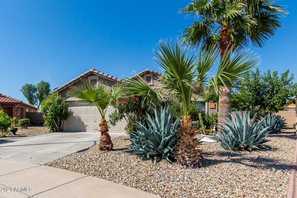 $325,000 - 3Br/2Ba - Home for Sale in Greenway Parc At Surprise 1, Surprise