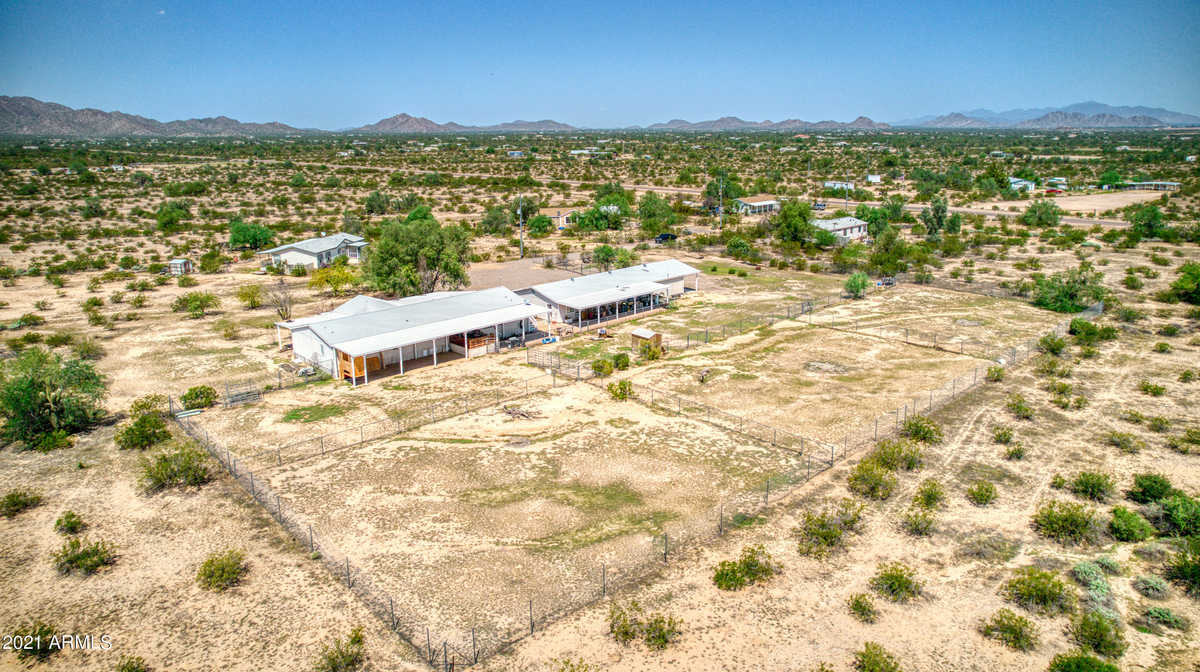 $379,000 - 4Br/3Ba -  for Sale in Hidden Valley, Maricopa