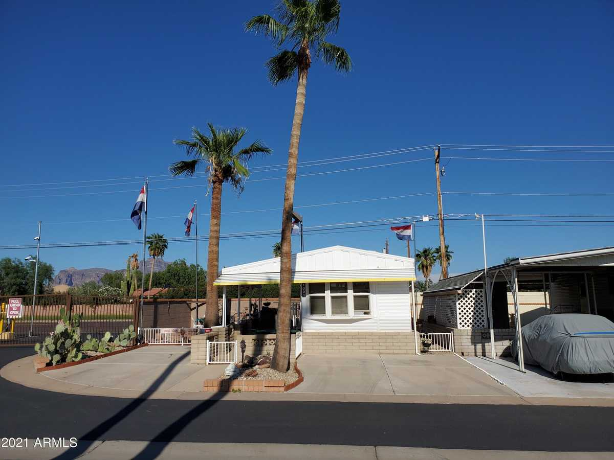 $57,000 - 1Br/1Ba -  for Sale in Roadhaven Resort Of Apache Junction, Apache Junction