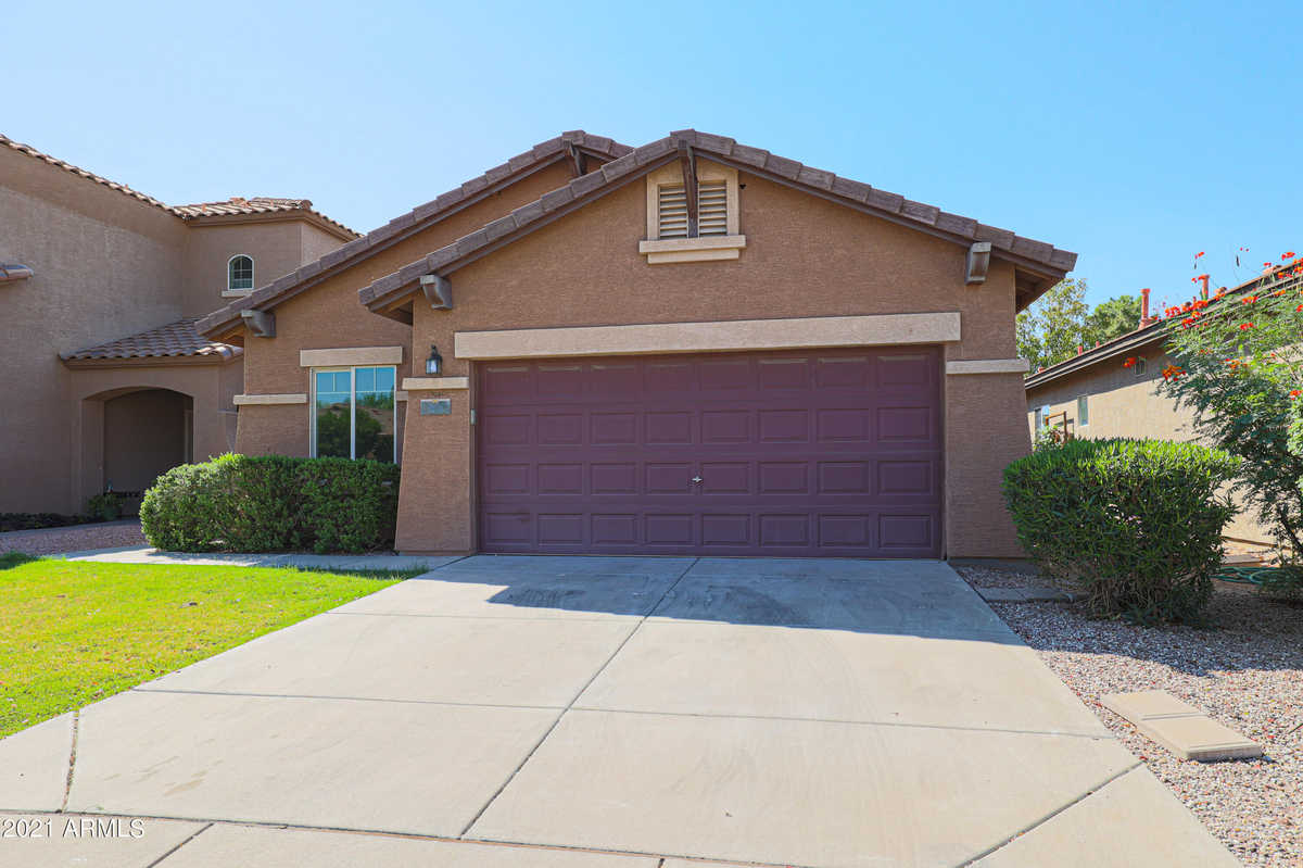 $389,000 - 3Br/2Ba - Home for Sale in Apache Manor, Mesa