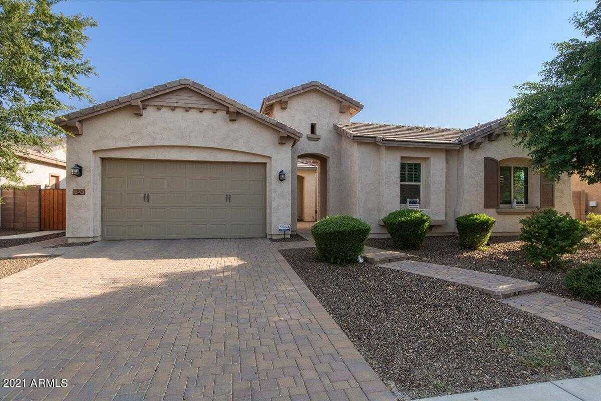 $750,000 - 4Br/3Ba - Home for Sale in Higley Manor Phase 1 And 2, Gilbert