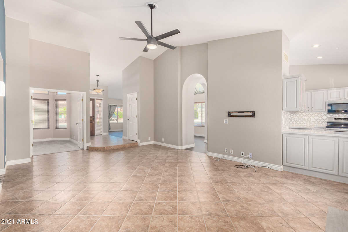 $550,000 - 3Br/2Ba - Home for Sale in Tempe Royal Palms Unit 18 Amd, Tempe