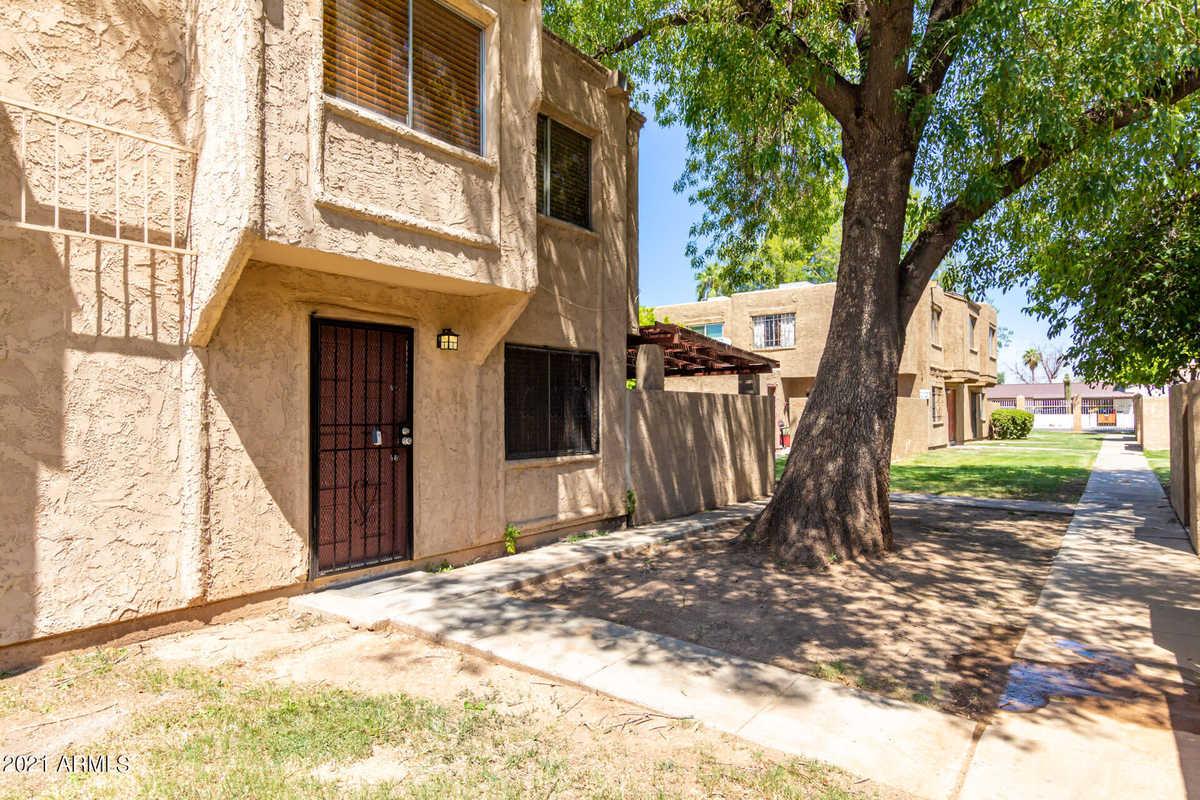 $198,000 - 3Br/1Ba -  for Sale in Hallcraft Villas West 4 Condominium, Phoenix