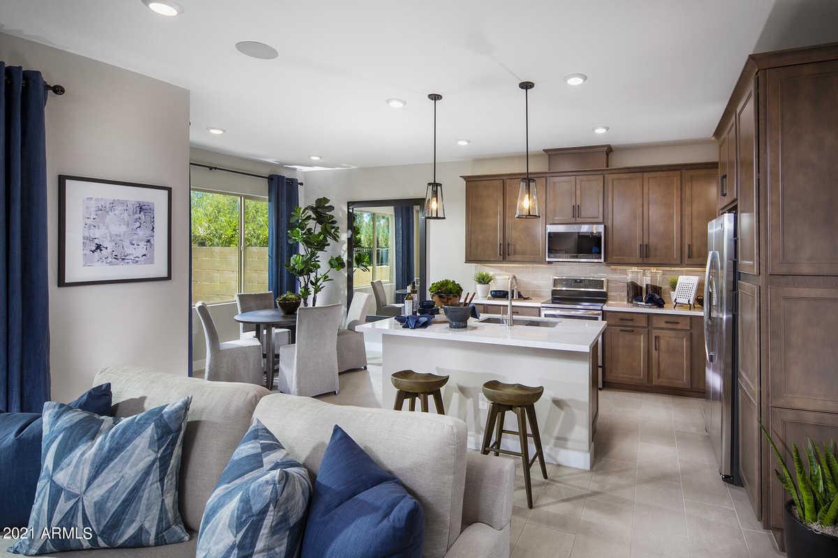 $514,872 - 3Br/3Ba -  for Sale in Mosaic At Layton Lakes Condominiums Amd, Gilbert