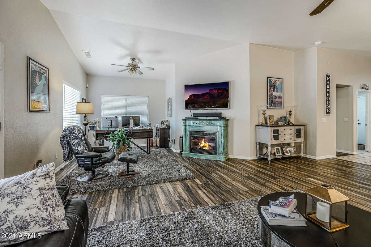 $349,900 - 2Br/2Ba - Home for Sale in Greystone Heritage Unit 2 At Ventana Lakes, Sun City