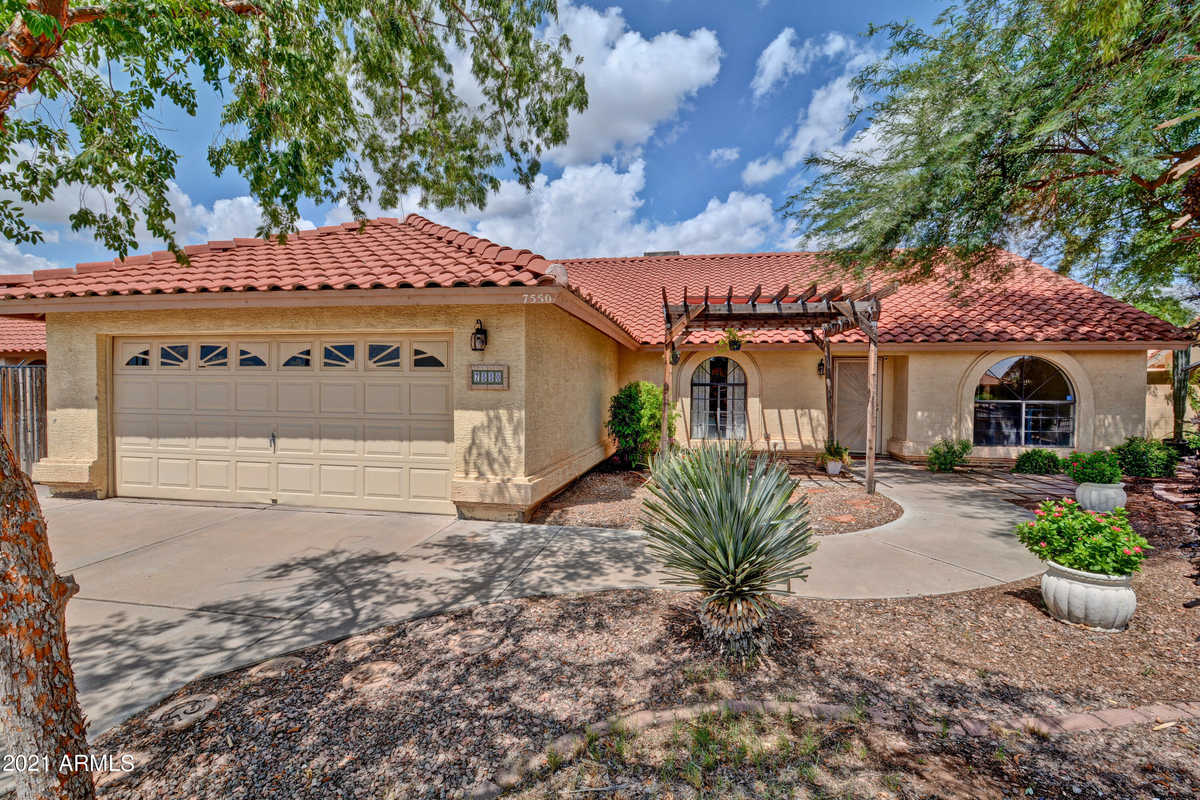 $425,000 - 4Br/2Ba - Home for Sale in Ridgemere Lot 1-154, Peoria
