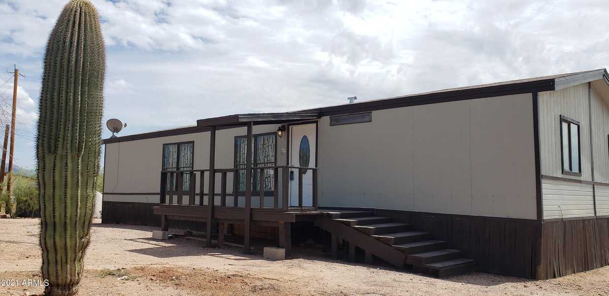 $365,000 - 3Br/2Ba -  for Sale in S33 T1n R8e, Apache Junction