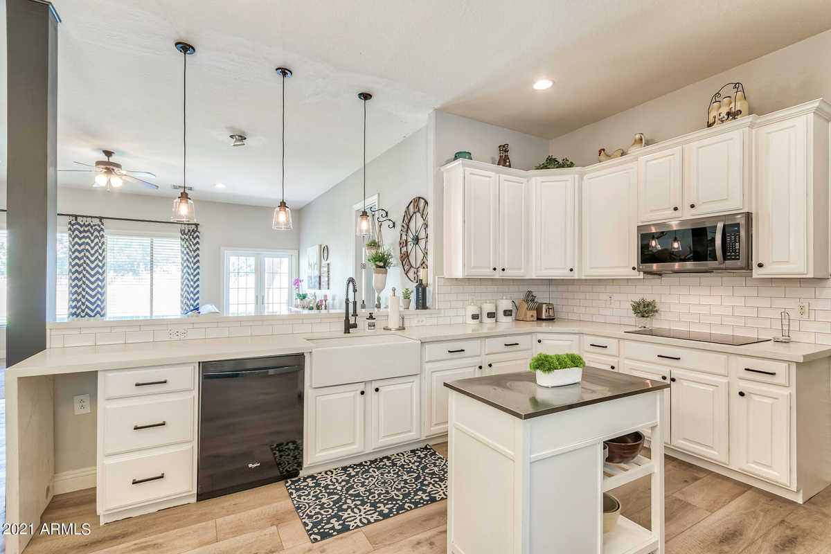 $725,000 - 5Br/3Ba - Home for Sale in Roman Estates Phase 5, Queen Creek