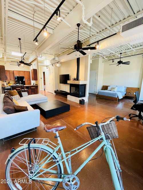 $598,000 - 1Br/1Ba -  for Sale in Gateway At Main St Plaza Scottsdale Condominium, Scottsdale