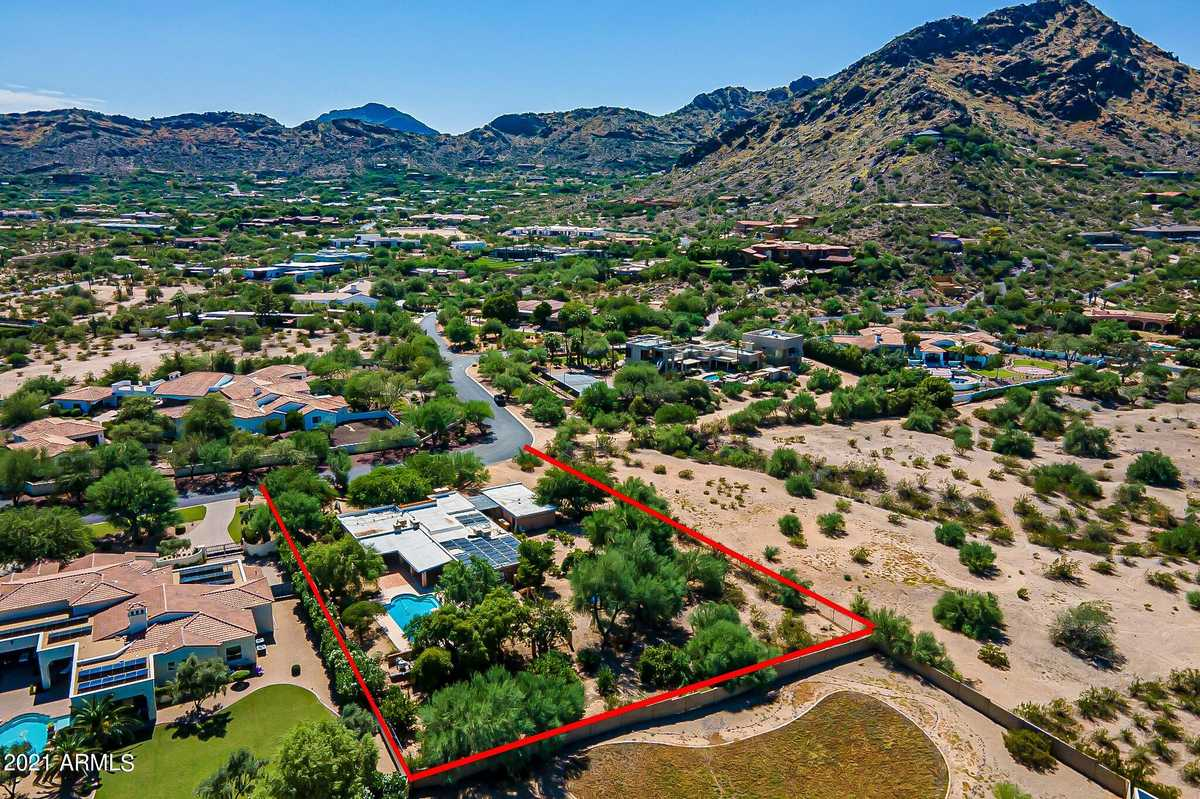 $1,800,000 - 5Br/4Ba - Home for Sale in Bret Hills, Paradise Valley