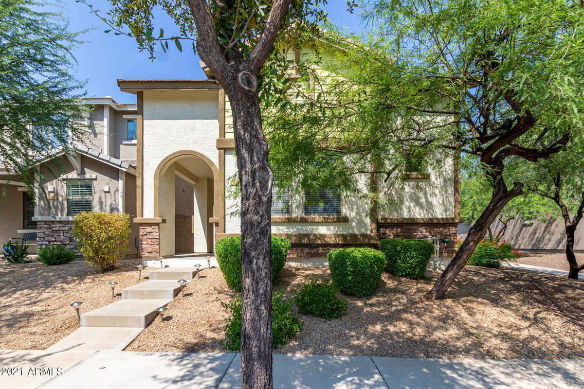 $449,500 - 3Br/3Ba - Home for Sale in Tatum Village Amd, Phoenix