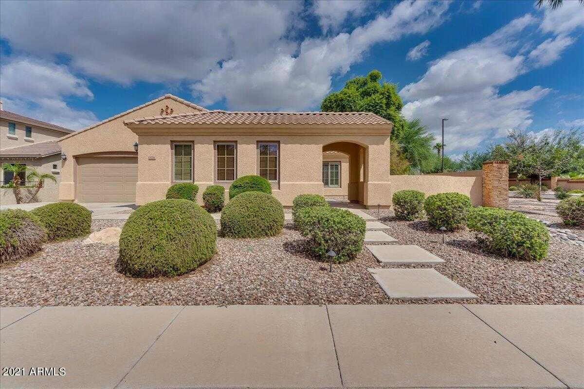 $650,000 - 4Br/3Ba - Home for Sale in Estates At The Spectrum, Gilbert