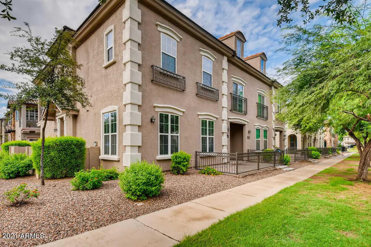 $440,900 - 3Br/3Ba -  for Sale in Power Ranch Neighborhood 9 Parcel 1 Condominium Am, Gilbert