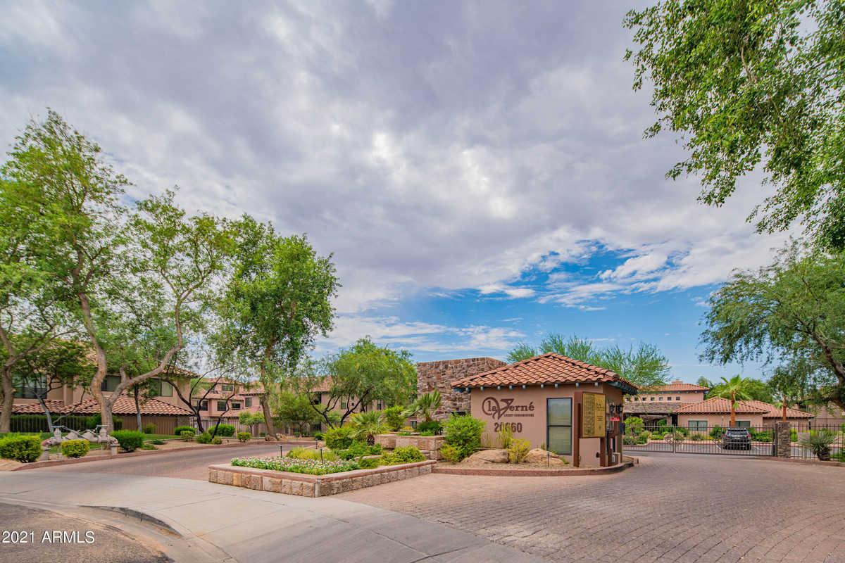 $455,000 - 2Br/2Ba -  for Sale in La Verne Condominiums Replat, Phoenix