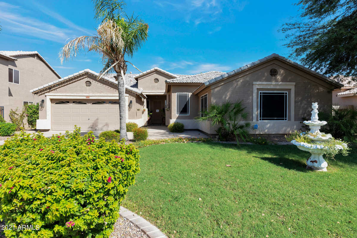 $615,000 - 5Br/2Ba - Home for Sale in Baseline/tone Replat, Gilbert