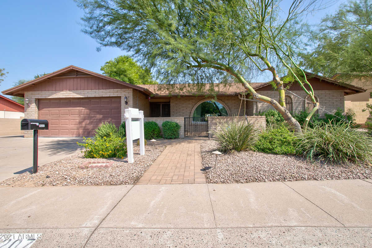 $559,900 - 4Br/2Ba - Home for Sale in Greentrails, Phoenix