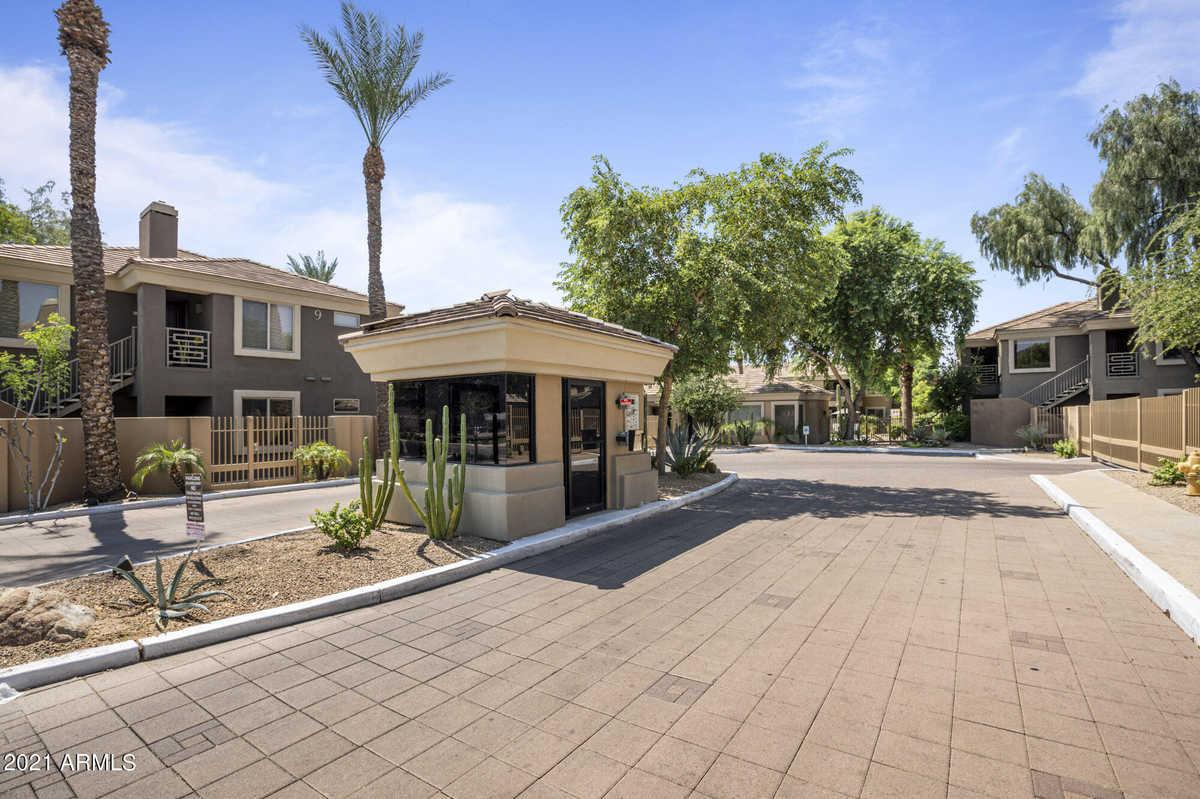 $440,000 - 3Br/2Ba -  for Sale in Pavilions On Camelback Condominium, Phoenix